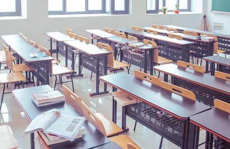 全国高等教育毛入学率51.6%